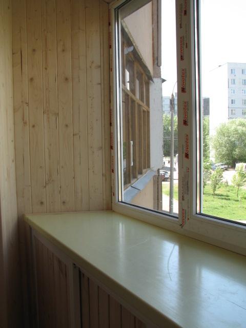 Остекление балкона с выносом в казани по доступным ценам.